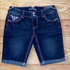 NWT amethyst jean shorts size 7 🌟✨💫